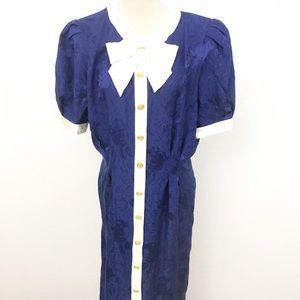Adriana Papell Vntg 100% Silk Dress With Front Bow